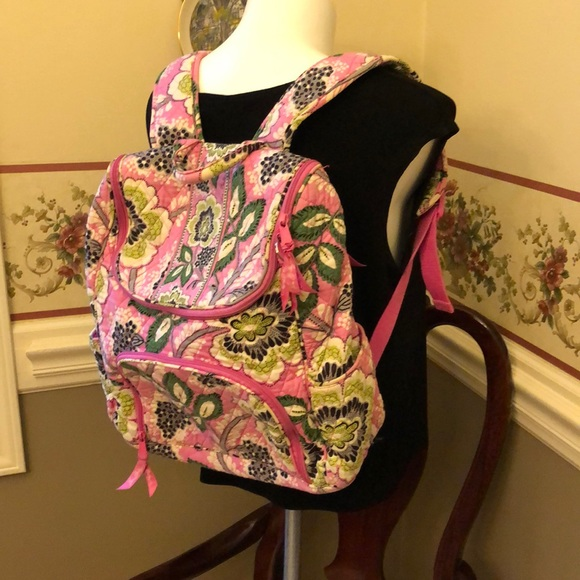 Vintage Vera Bradley quilted backpack in EUC